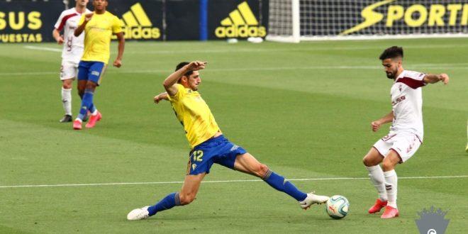 Yann Bodiger llega al Cartagena para afianzar el centro del campo