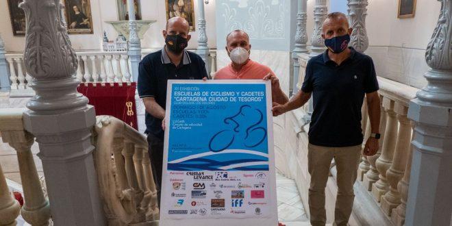 Las Escuelas de Ciclismo y Cadetes 'Cartagena Ciudad de Tesoros' celebran su XII Exhibición con el Circuito de Velocidad como escenario